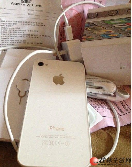 苹果港行iphone 4s两部情侣手机出售 一黑一白 可以单卖