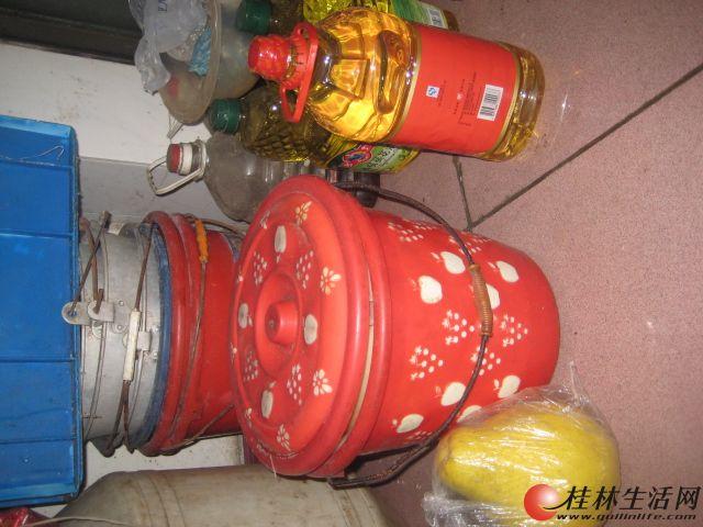 废旧食用油桶做灯笼