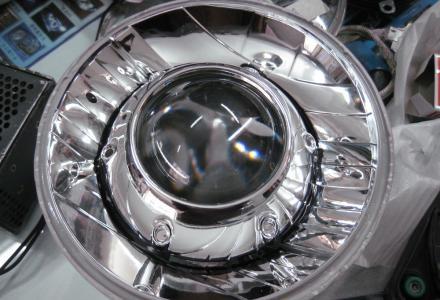 悍马H2 H3两台超级越野改海三透镜