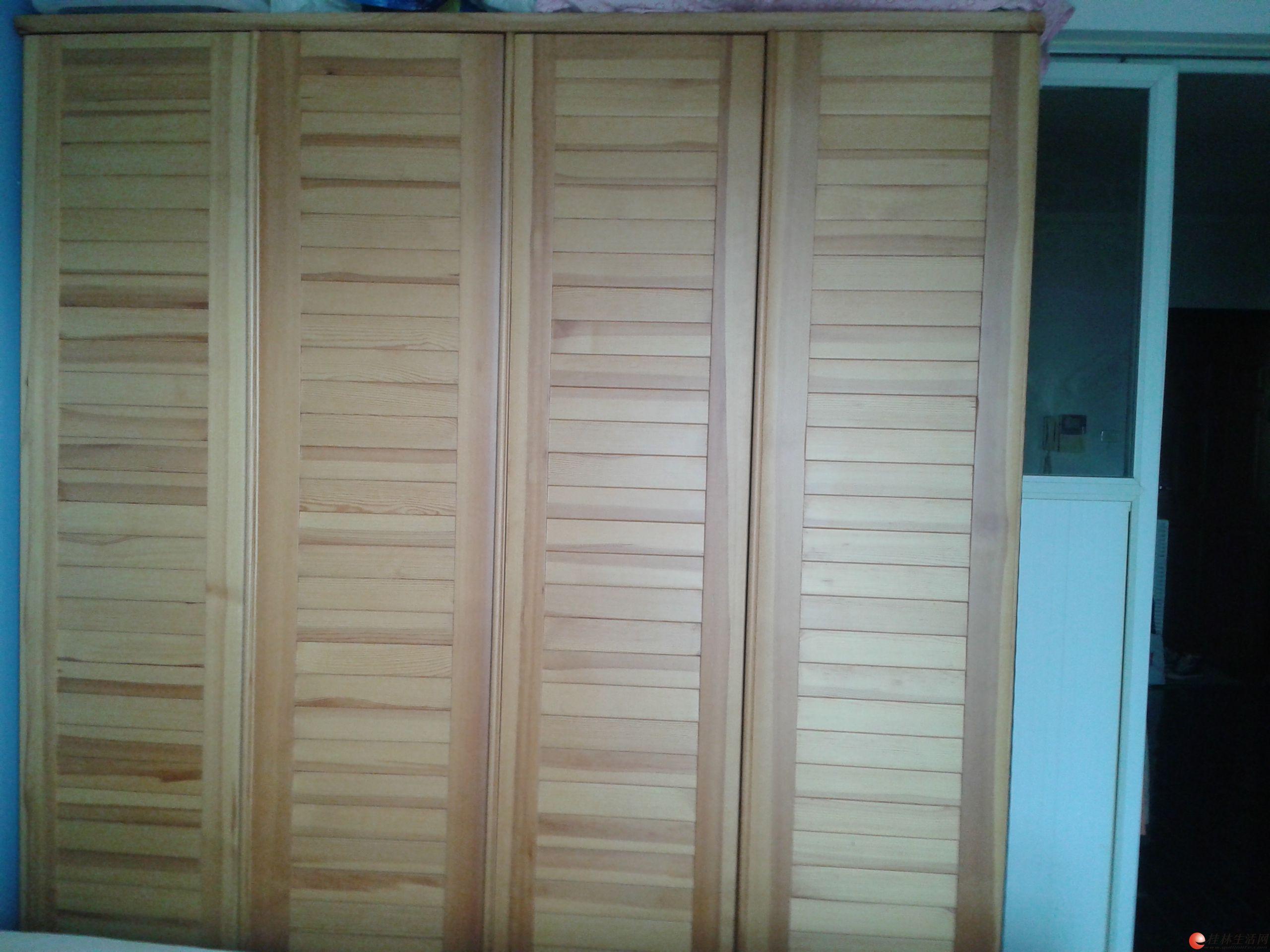 自用8.5成新卧室全套实木松木家具 床,衣柜,七斗柜,梳妆台及梳妆凳,床垫 机不可失