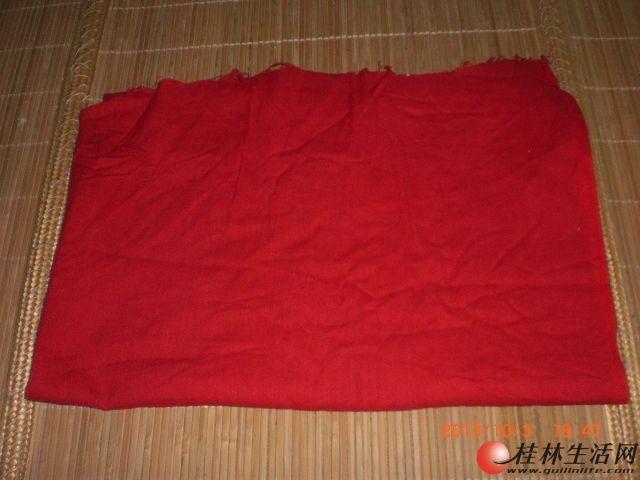 广告横幅制作用红布,数量几十斤吧.