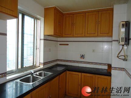 175平精装修5房2厅3卫 复式楼 60平玻璃房 楼顶花园 5台