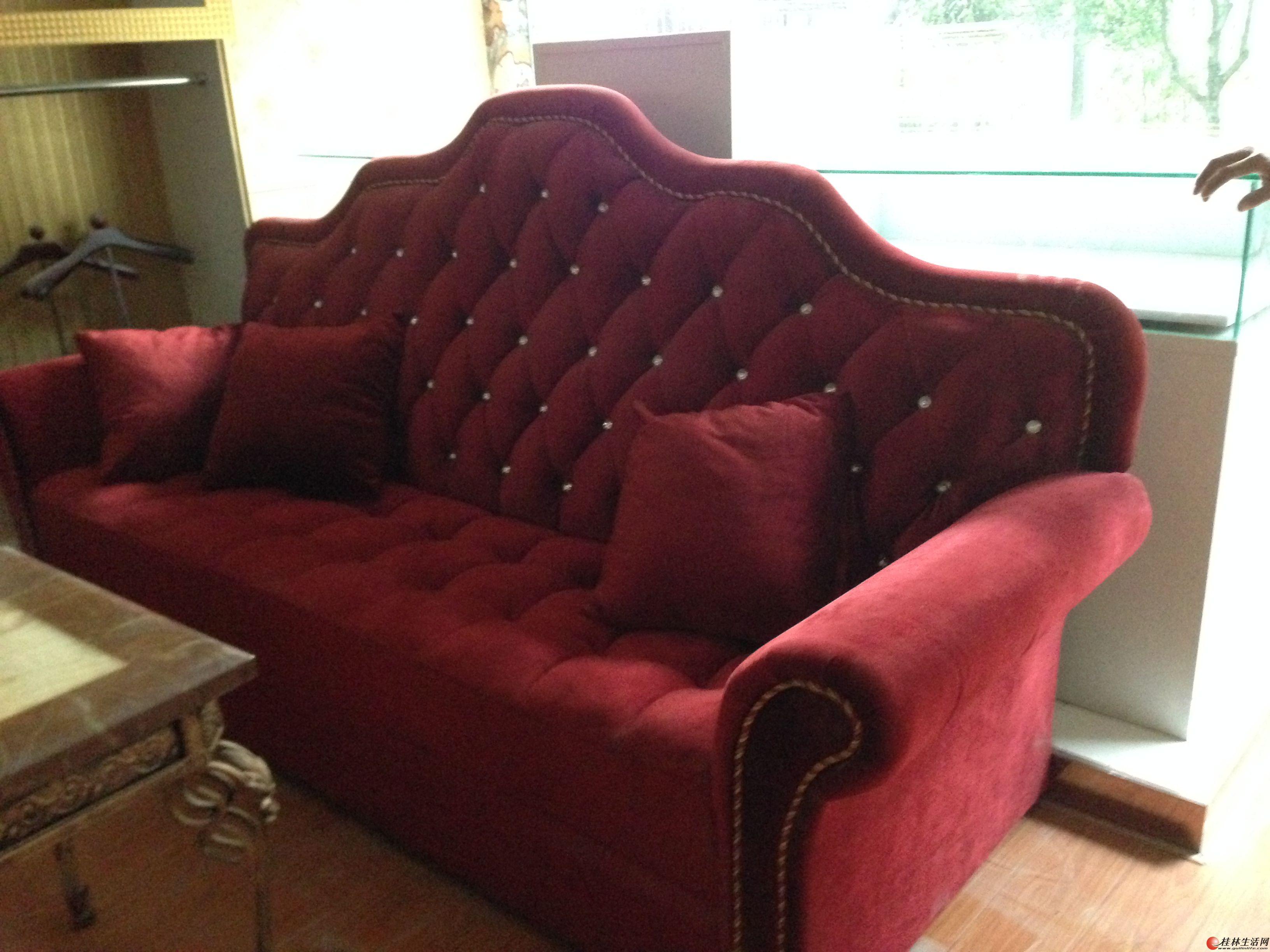 9成新欧式红色沙发+茶几一套