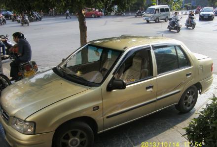 新版三厢夏利原装漆无事故桂林户私家车