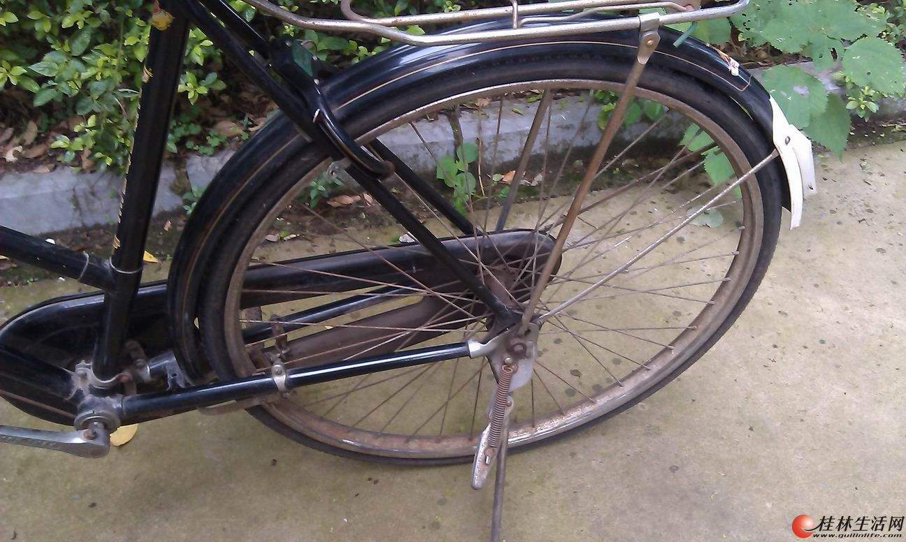 老式凤凰牌自行车图 凤凰牌28寸老式自行车 老式凤凰26包链自行车