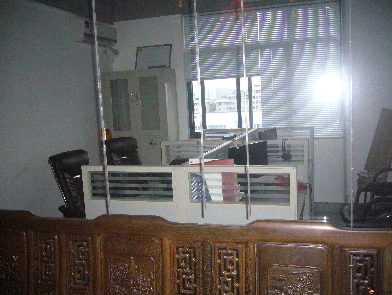100平米办公写字楼,转让 新装修 价格详谈