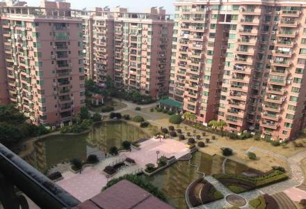 世纪新城,南北向正规两房,105平75万,红本在手,装修保养好!