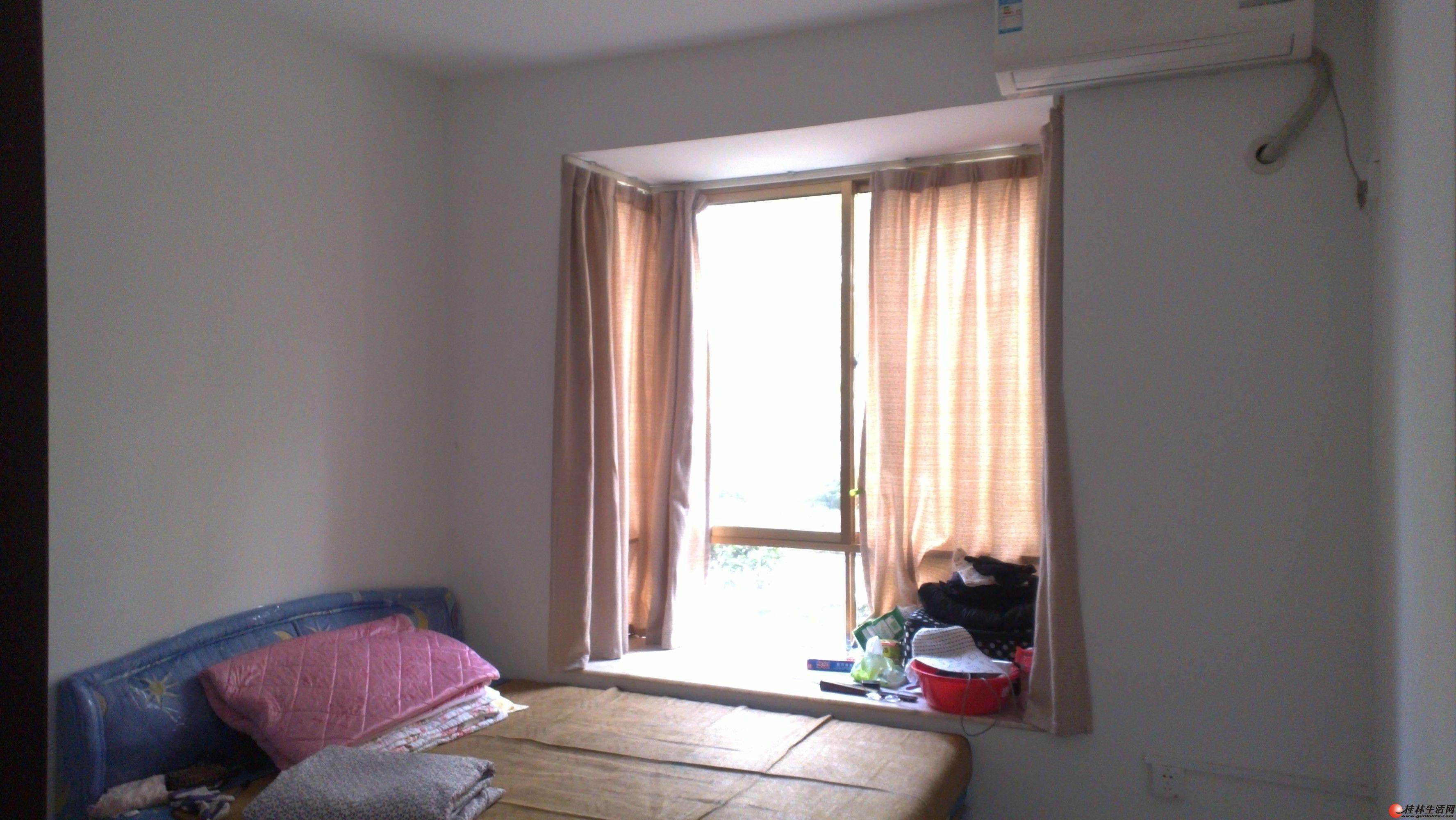 立交桥附近 金辉广场  4房2厅 家具家电齐全 商住两用!