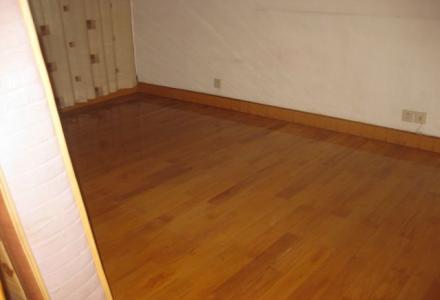信义路尾标准件厂4楼2房2厅100平米精装有(照片)1100元。