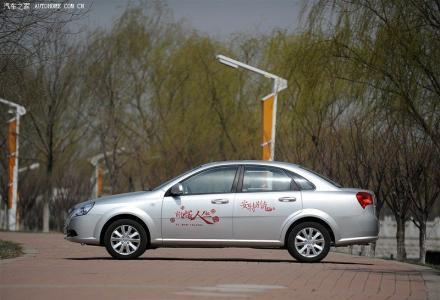 桂林旅游租车,全新小轿车128元一天