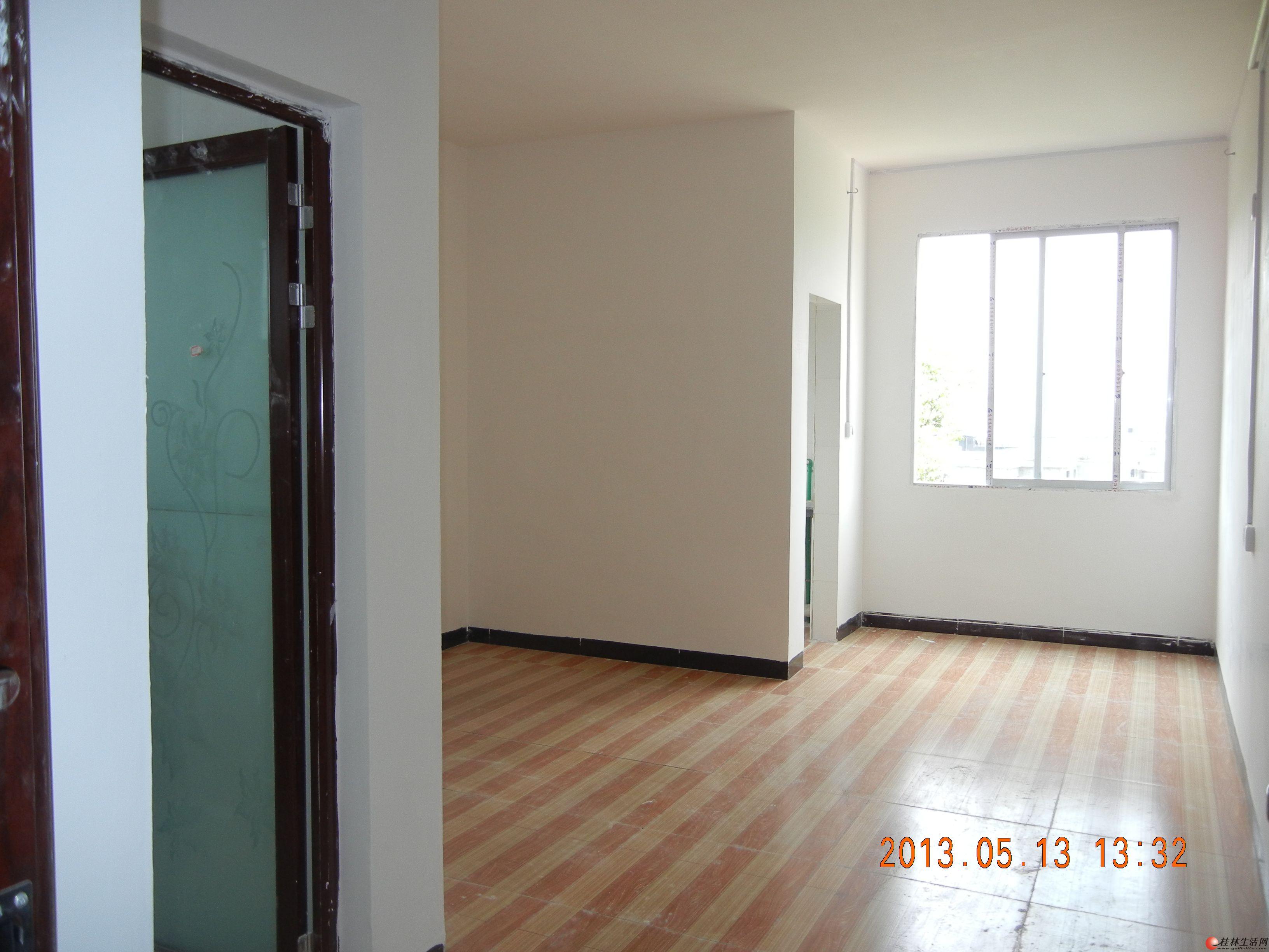 5楼单间配套(约30平米)250/每月
