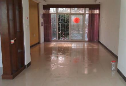 好房第一次出租:灵川县镇政府大院3房2厅2卫 138平米 精装 2楼 1000元/月免物业费