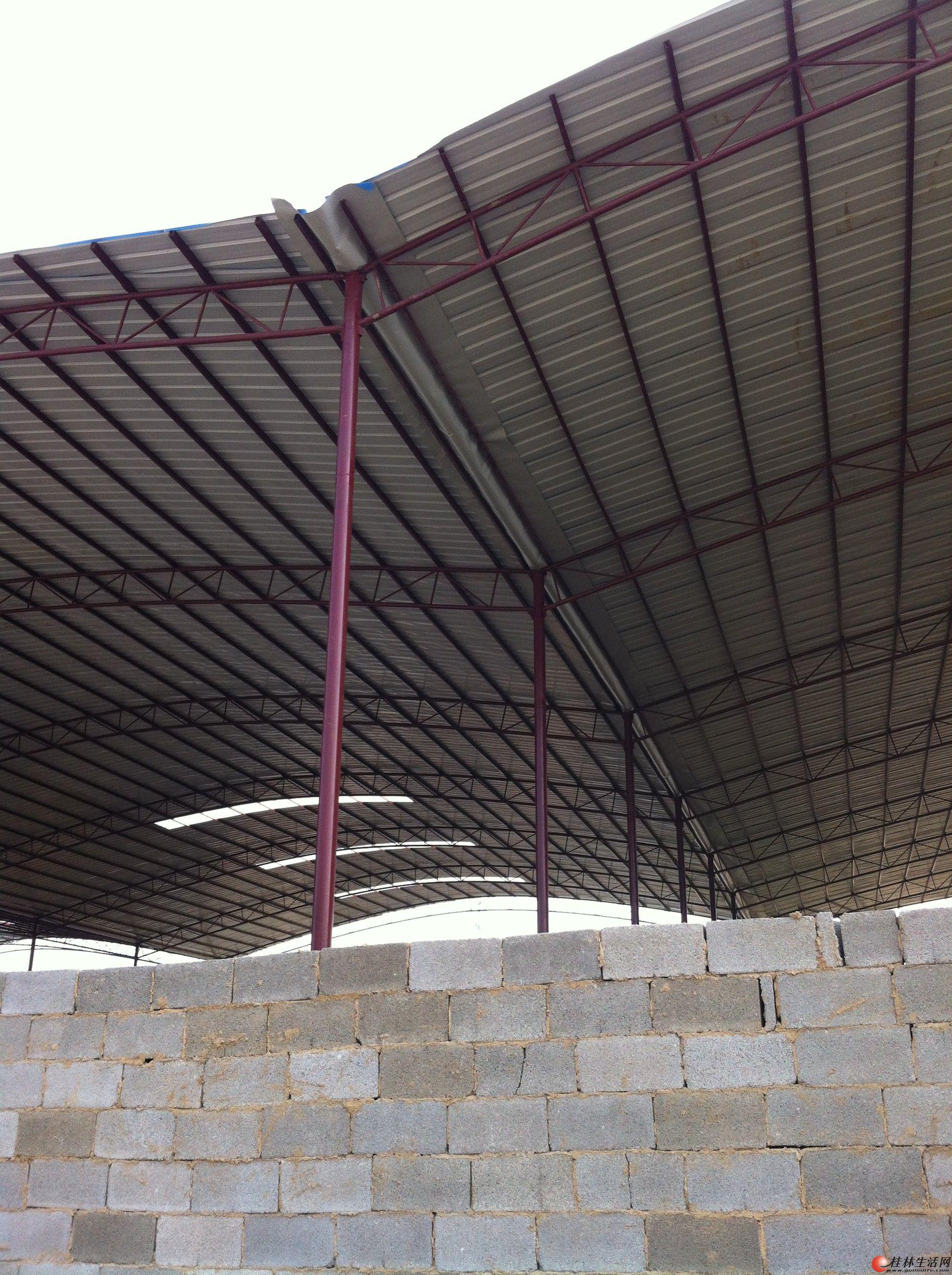 专业制作钢架结构   楼面雨棚,停车棚,彩钢瓦厂房及仓库