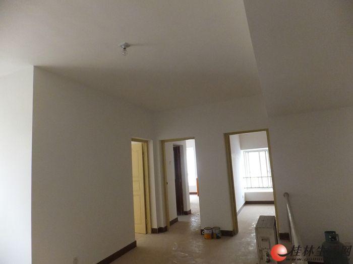 隐龙居简装修四房152平方月租2700元