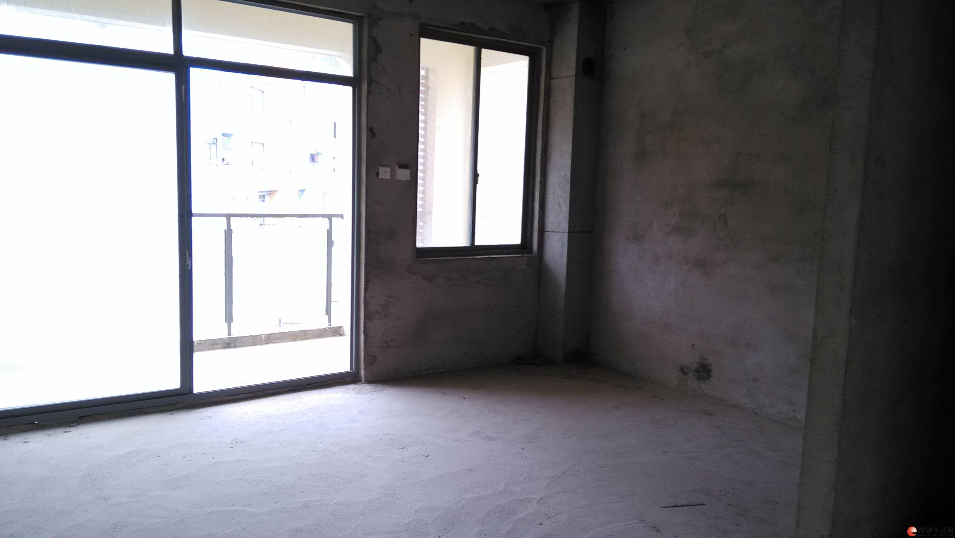 临桂新区长岛16区!清水3房122平米满五年唯一!仅售50万!