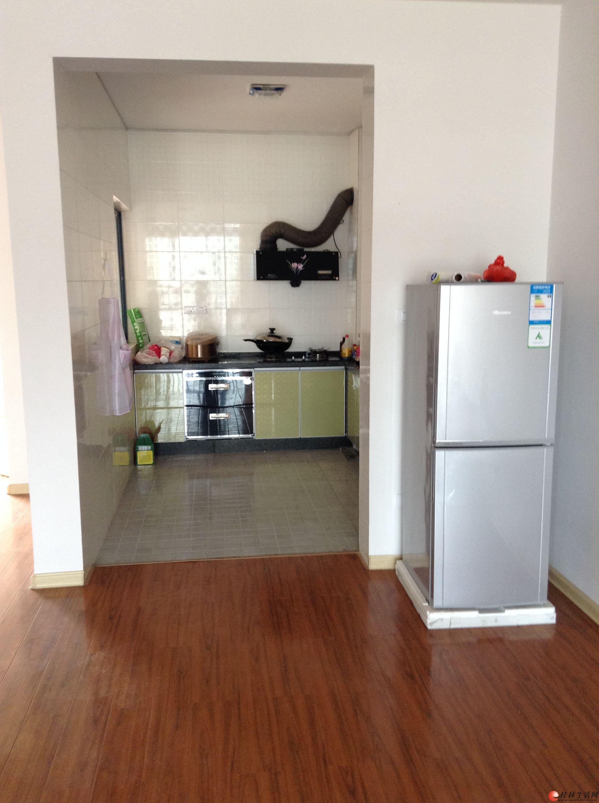 临桂超大户型一般装修金水湾境界15楼三房带入户花园低价