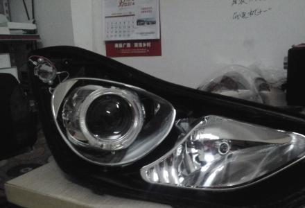 现代朗动升级奥迪Q5双光透镜、赠LED天使眼