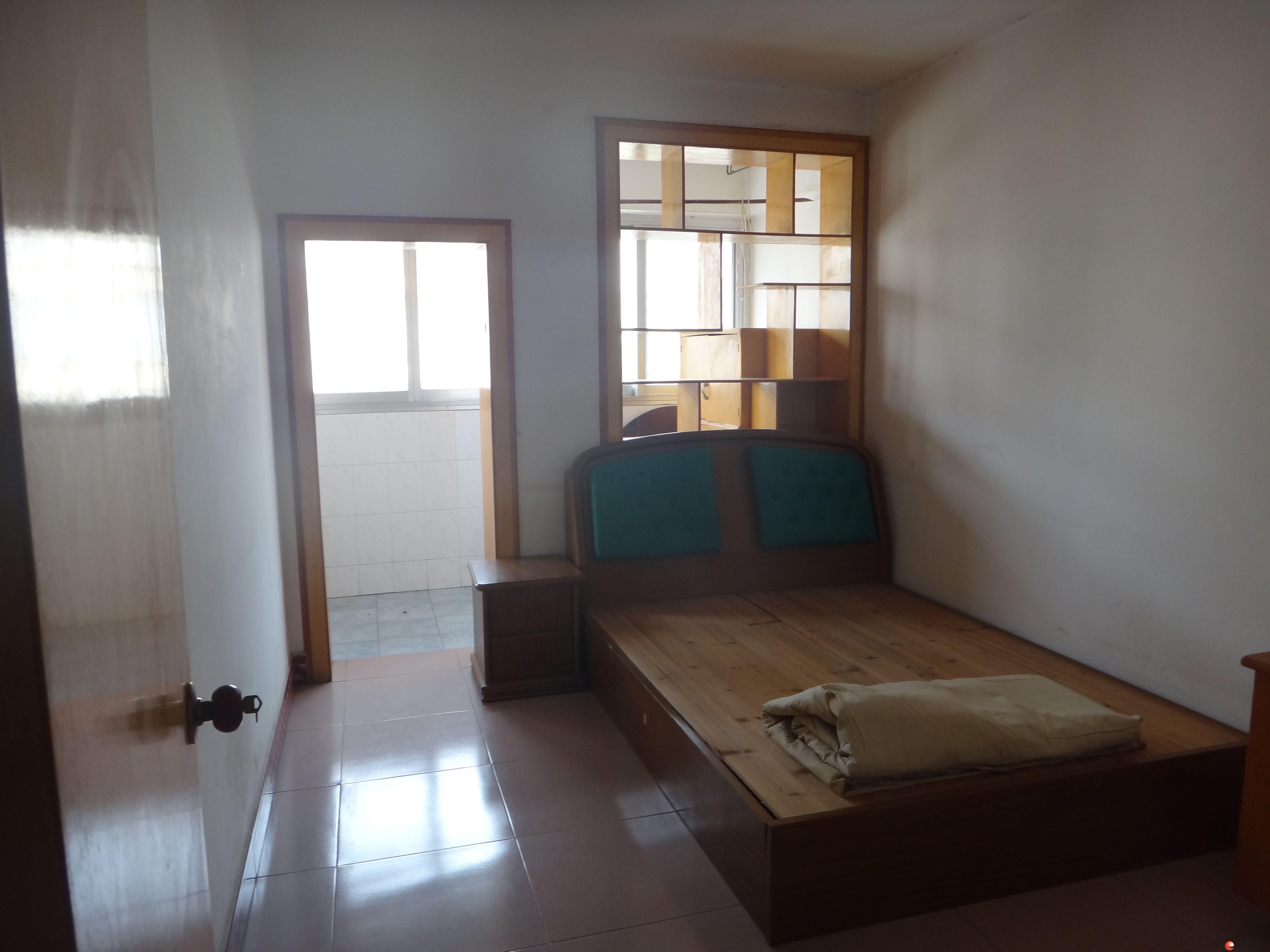 q翠竹路13号 鸣翠对面 2房1厅 80个平方 中式装修 1100