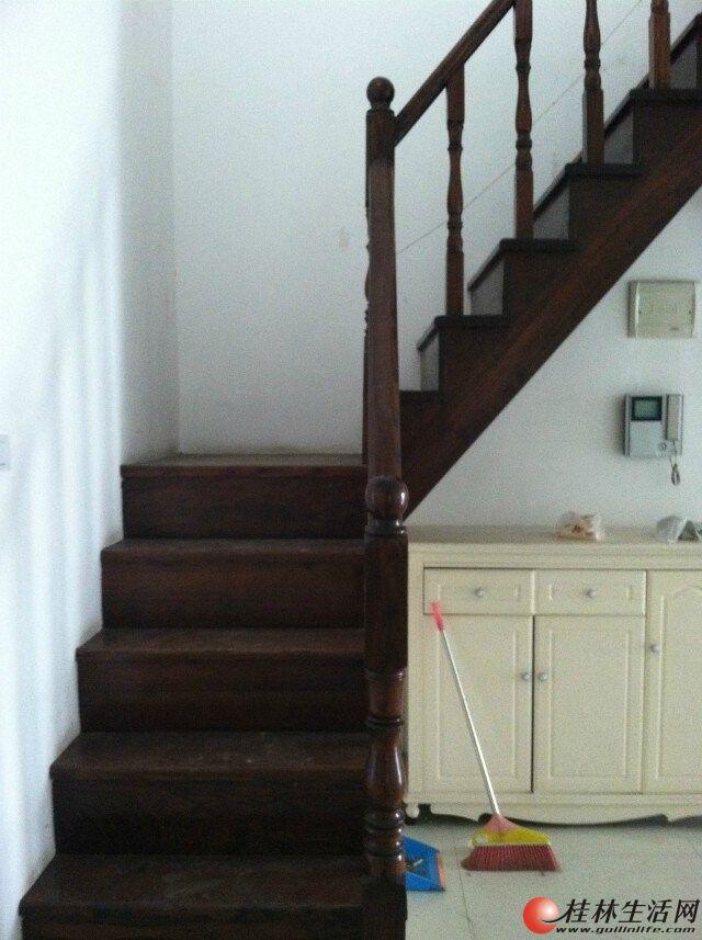 w 象山区 铁西 6 7楼顶楼复式楼 带露台 精装修5房2厅3卫