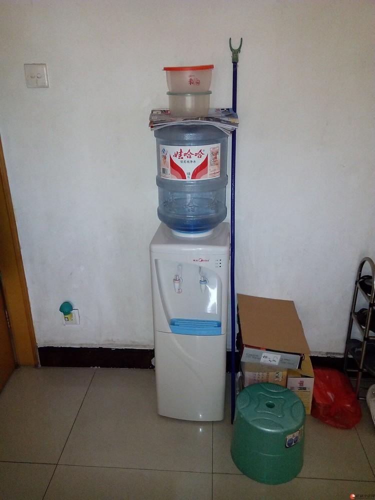 哇哈哈桶装水和饮水机