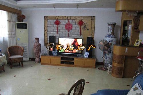 桂湖花园 4楼 一梯一户 4房2厅2卫 143㎡ 2000年商品房 精装修 干净