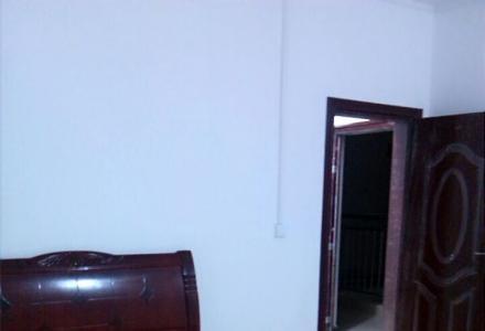 桂林市东二环路电子科大对面黄莺岩新房出租。