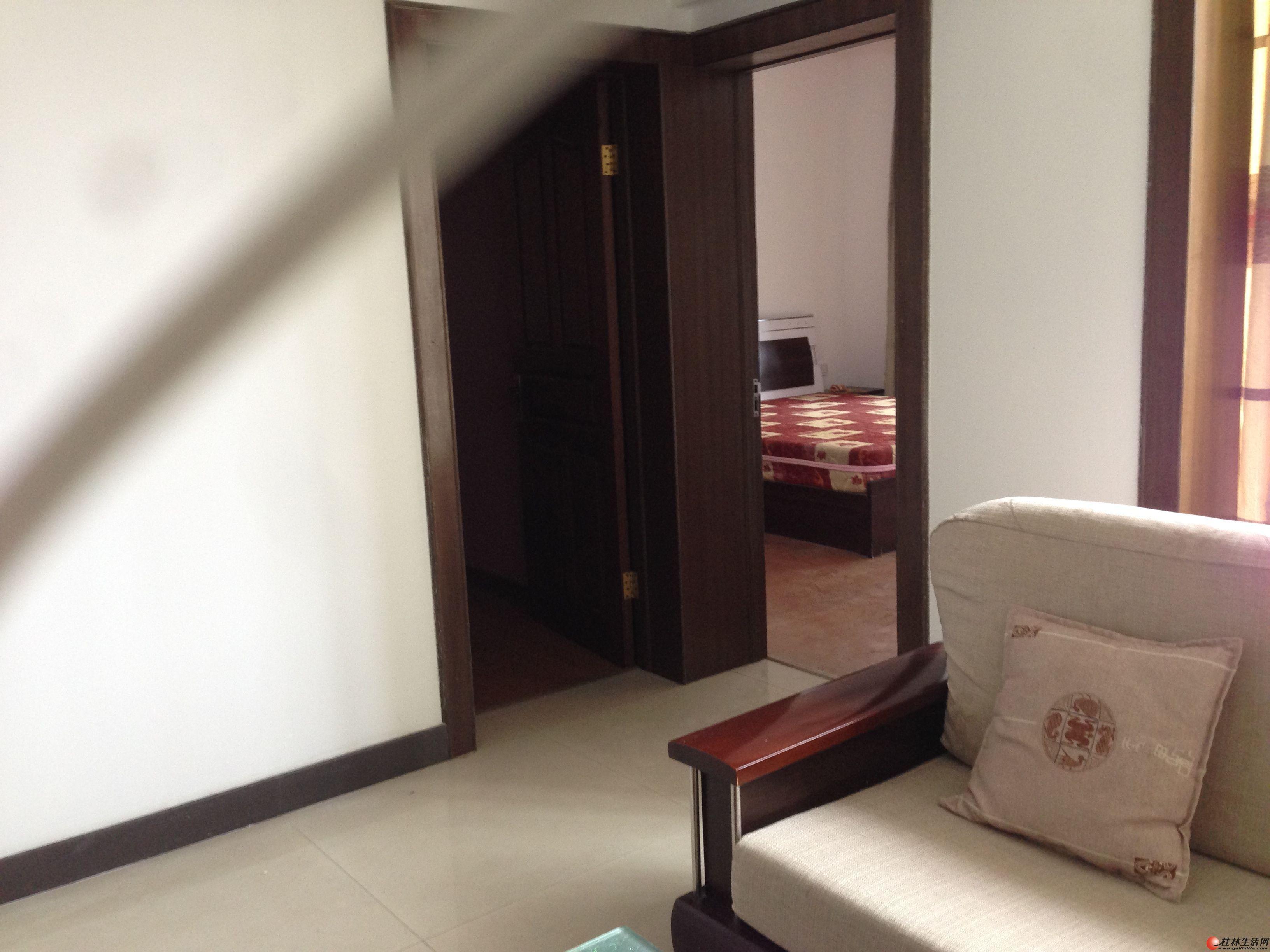 东方大厦 电梯房 精装修 2室1厅 真实房内相片