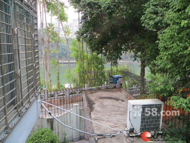 篦子园小区江景房1 2楼别墅150平米4房2厅2卫中装修1991高清图片
