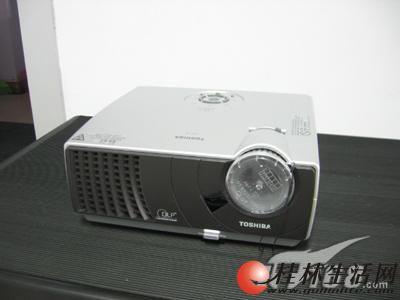 出售二手投影机500元起,有日立,明基,东芝,联系13737748333
