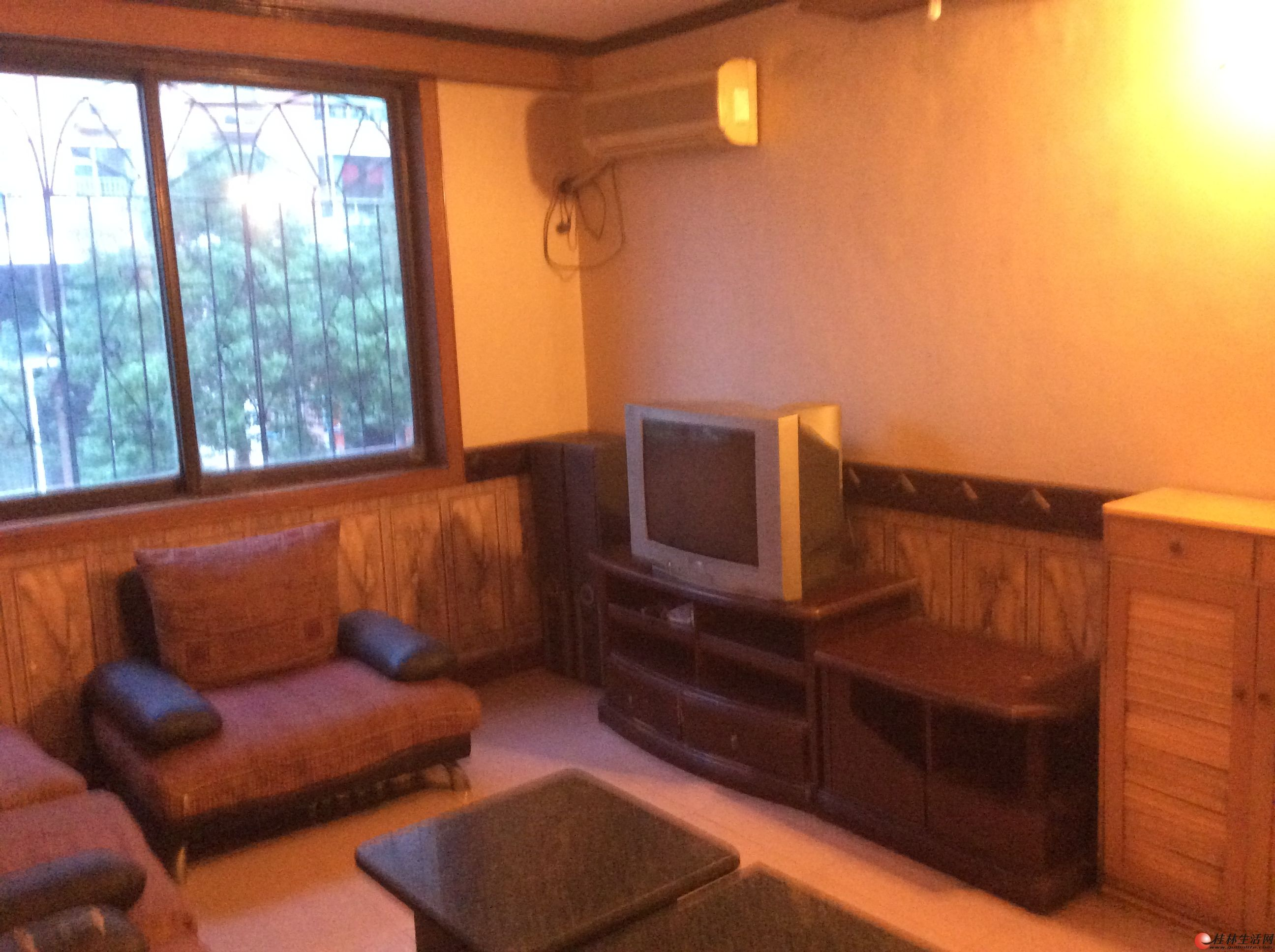 桂林市七星区毅锋路鸾西一区3栋3楼2房一厅68平精装修出租