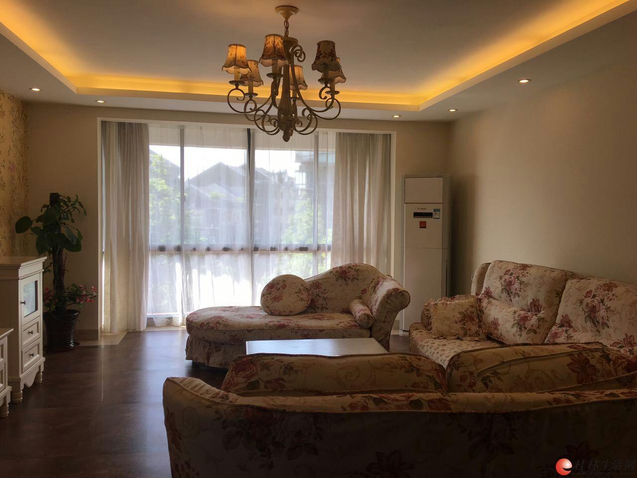 康桥半岛小区,高档小区电梯房,豪华装修,全套实木家具,家电齐全