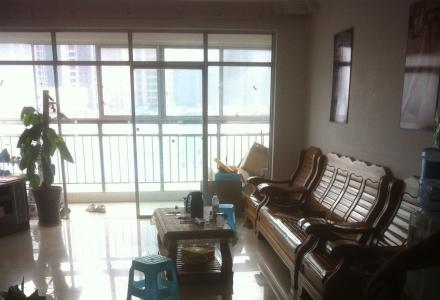 八里街百味阳光酒店楼上,三房两厅,150平米,家具齐全,非中介