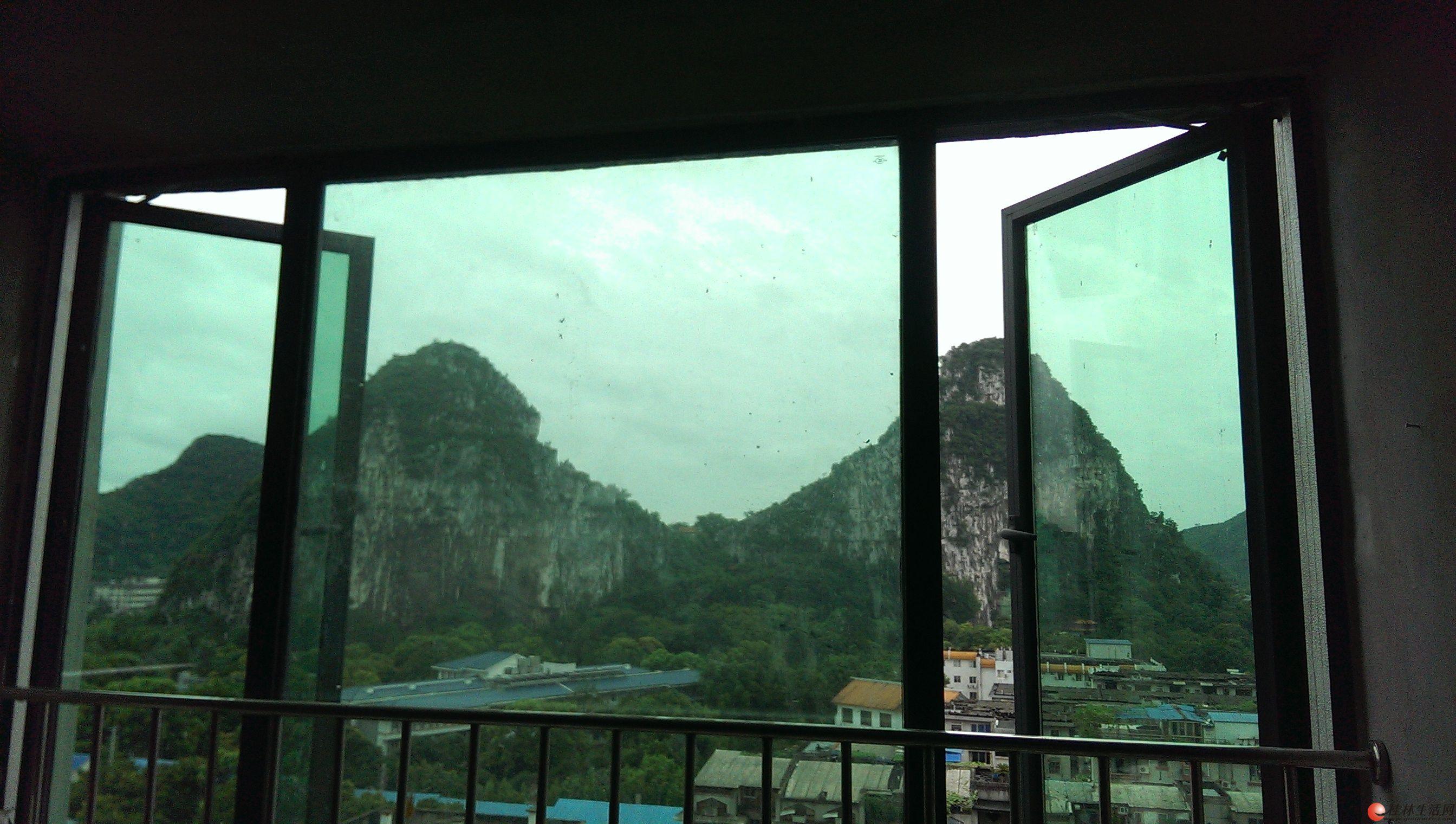 桂林市中心地段-百年荟城市广场2室2厅1卫清水房出租(非中介)