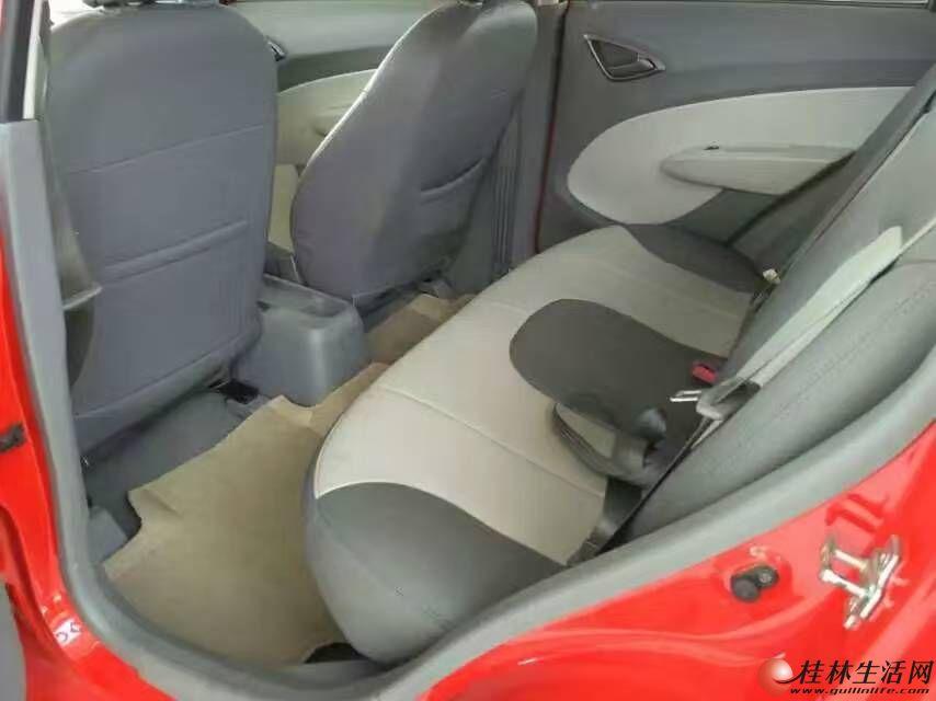 2011年底雪佛兰赛欧自动挡美女上下班用车,急转样高清图片