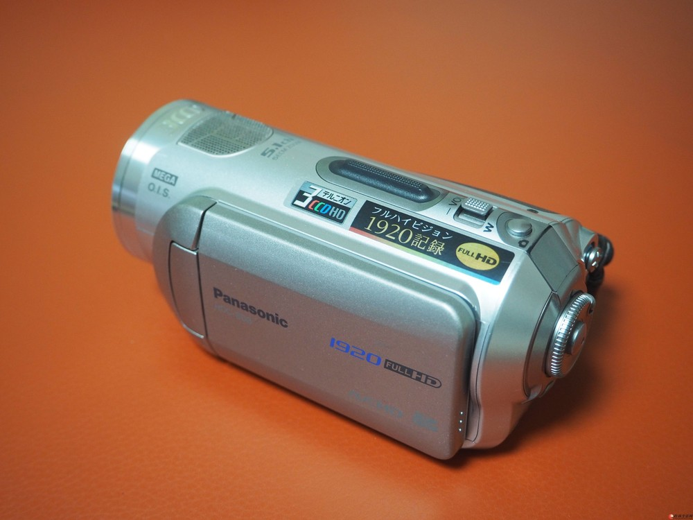 1600元低价处理日本原装高清摄像机一台