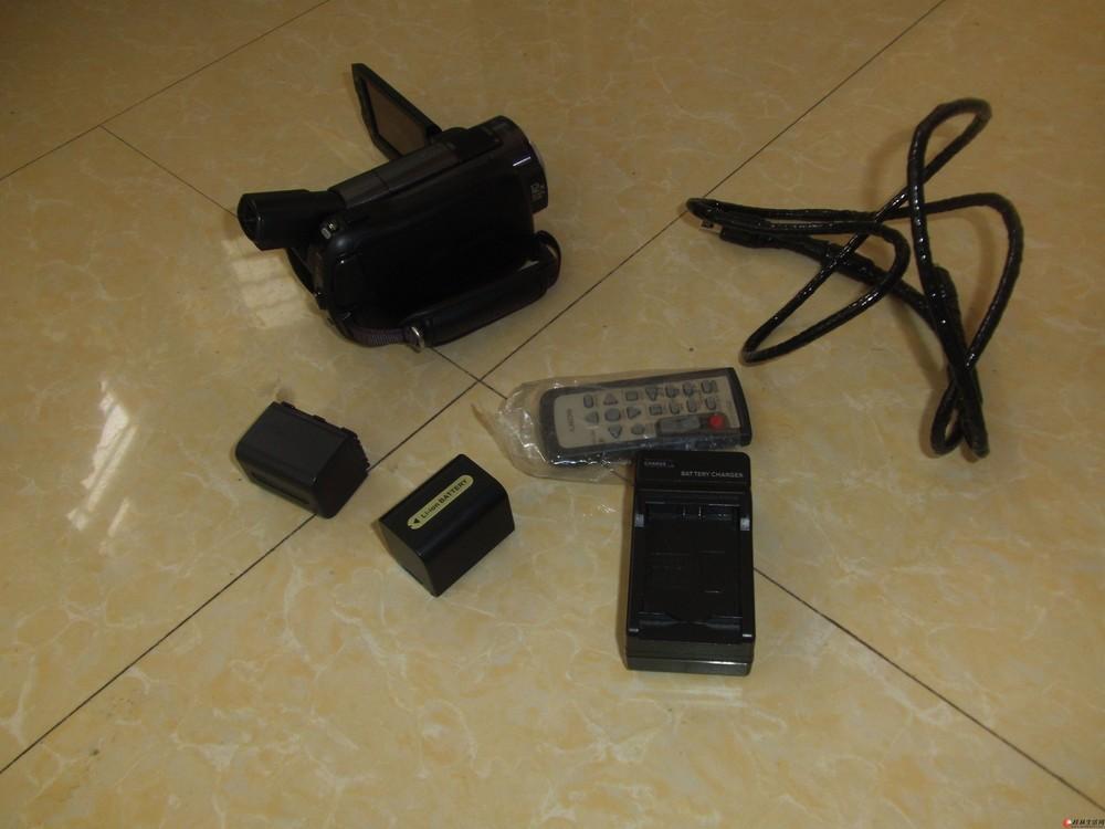 虽然放了两年,但是只用了几次的超高清索尼摄像机出售3500元,可以验货