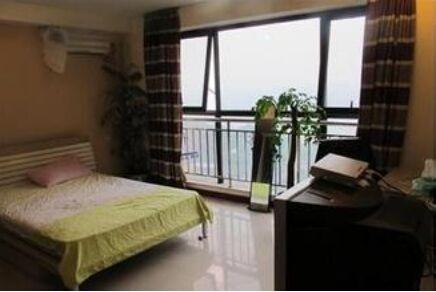 房东直租一房热水宽带房460元。热水器房400元。自己拉网房380元,廉价房360元