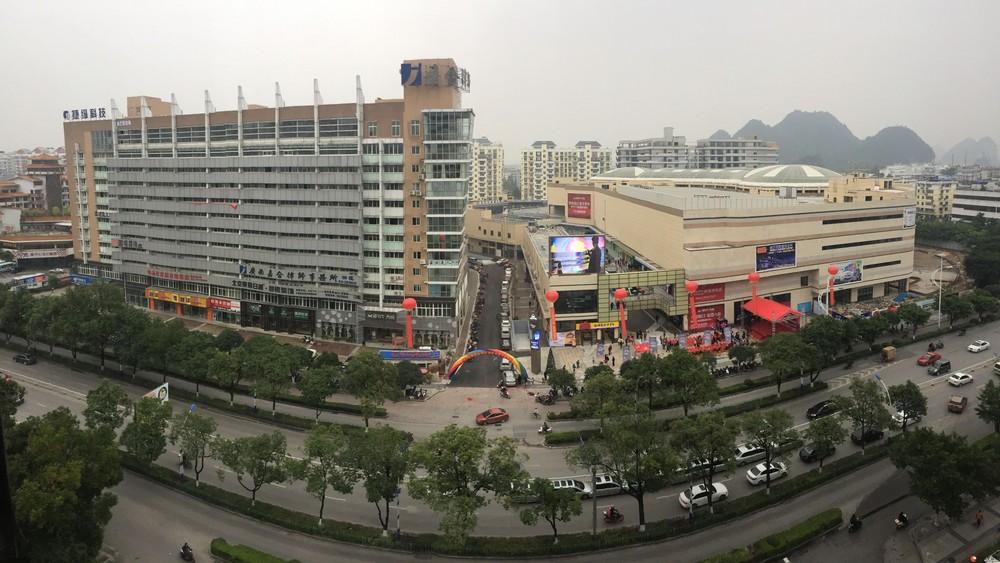 财富名城锋尚当街写字楼第六层(共5套225平米)