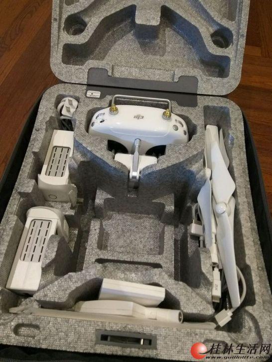 95新飞了大概几个小时 大疆无人机 DJI精灵4三电套装出售5000元