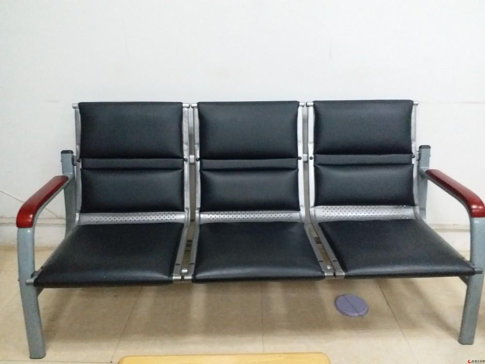 三人位扶手椅出售 很新