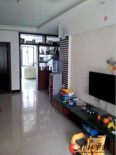 临桂都市丽景3楼精装房出租
