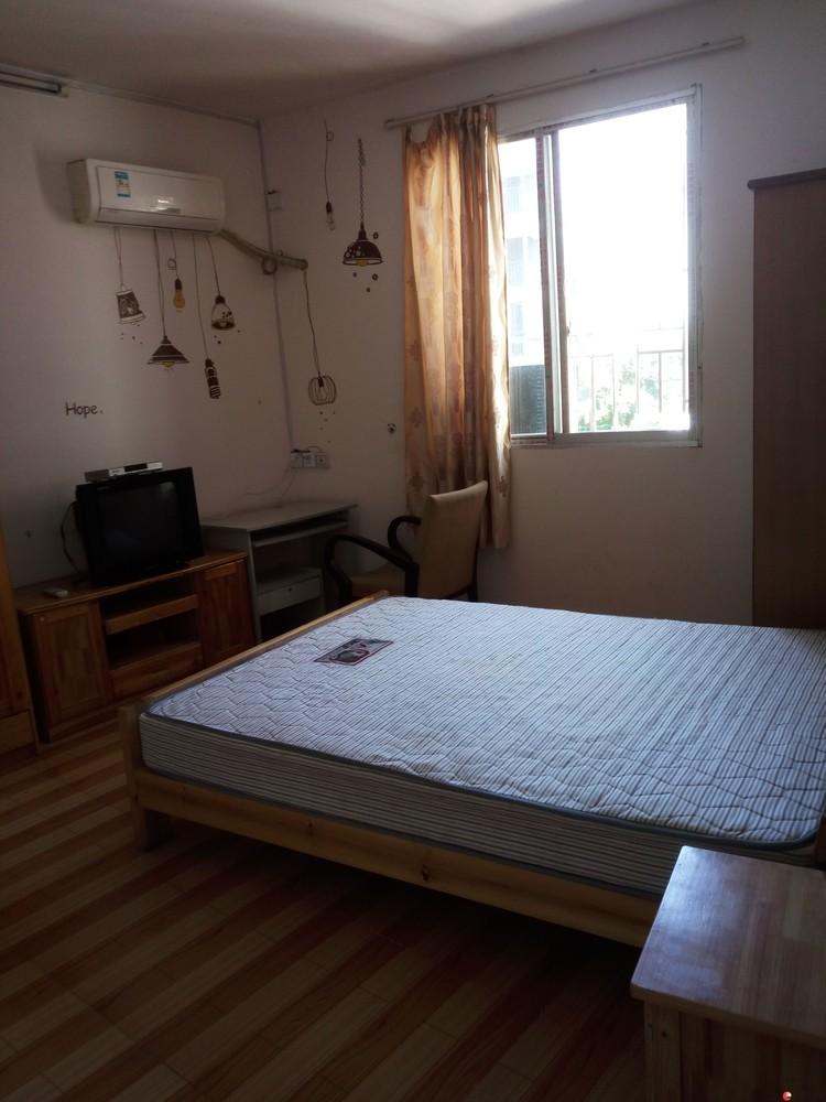 七星区穿山小街和东江有单间配套带家电出租350-550每月,可短租