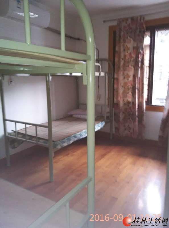 全新学生双层高低床出售