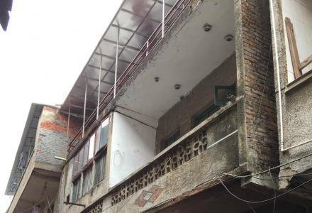 银锭路(汽车站后门)三层楼整栋房屋出租,3000元/月,交通便利,采光充足
