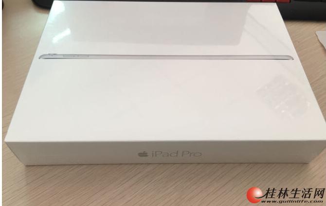 Apple iPad Pro 平板电脑 9.7 英寸,32G WLAN版银色,全新未拆封未激活国行正品,3888