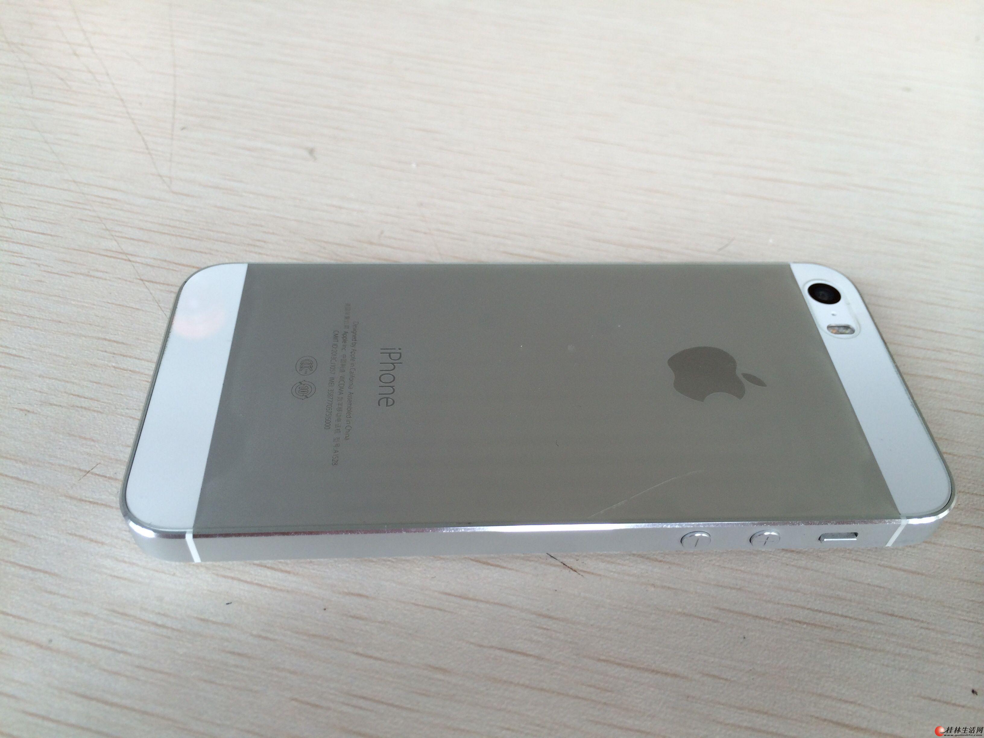 苹果5s.机子9成新,一直带套带膜保护得很好.16G,绝对正品机,买回来都没有怎么用过