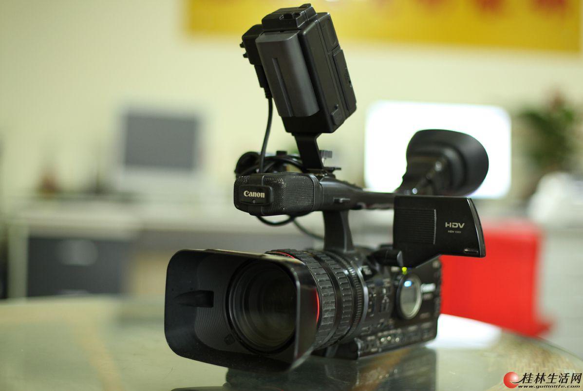 低价处理佳能专业摄像机一台
