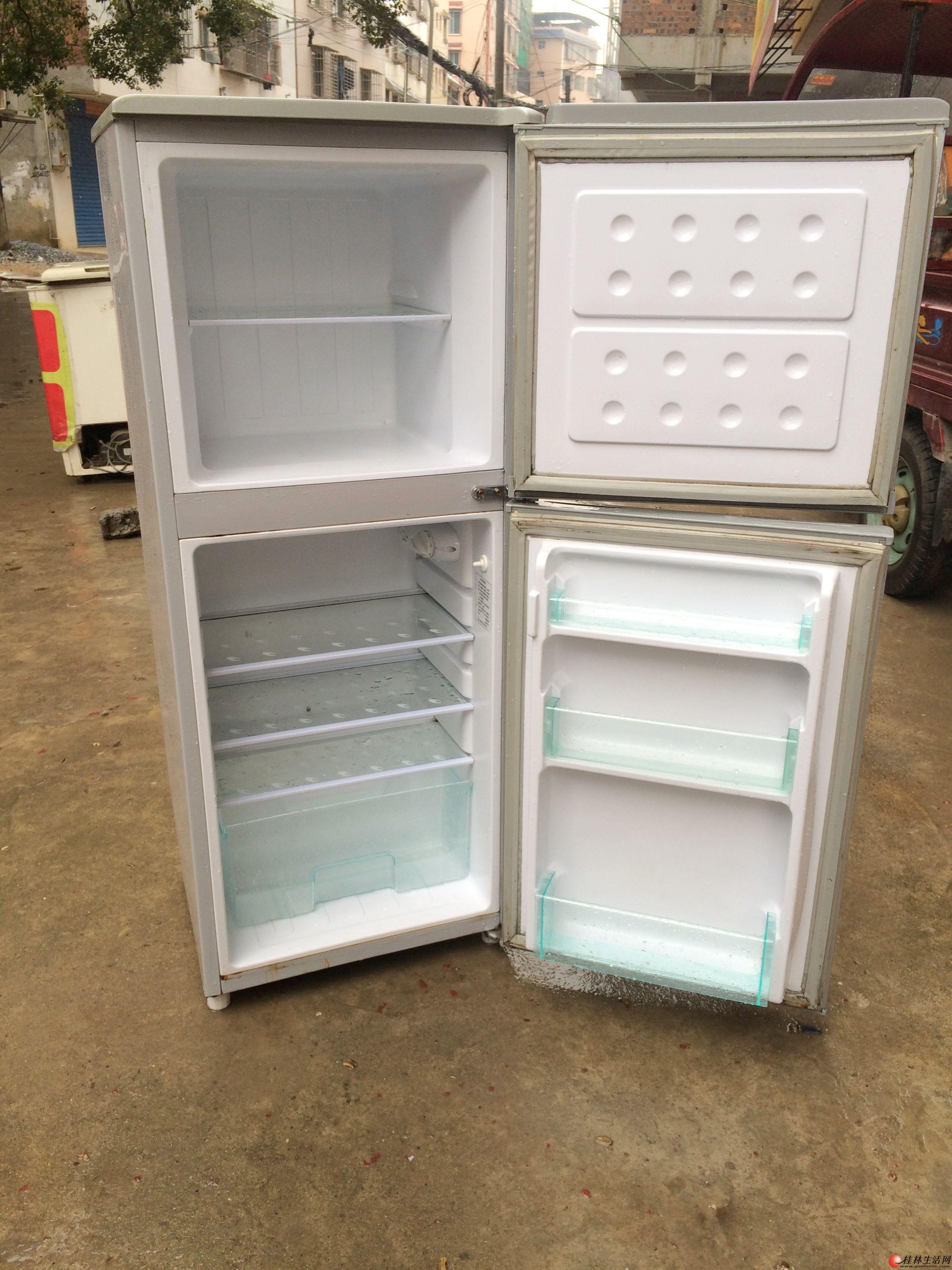 大学生创业,二手百货。大量冰箱冰柜,无拆无修,功能正常,省电!效果好