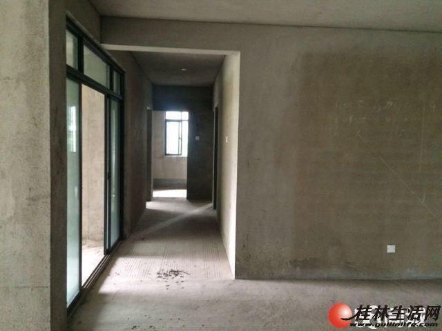 出售,东晖国际复式5房2厅3卫,顶层12楼送天面,135万,2012年清水房