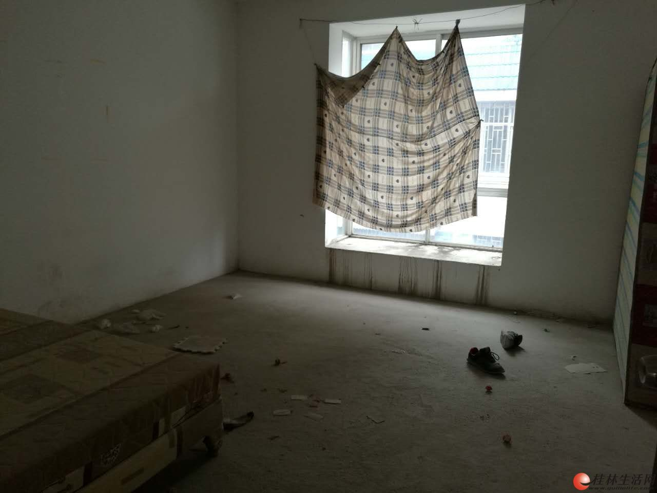 八里街嘉年华小区复式楼190平(白菜价急售2500元、平方)
